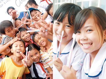 インドやベトナムをはじめ世界各地で歯ブラシを無償で配布するなど、社会貢献活動にも積極的だ。