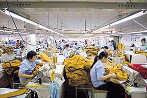 上海工場の様子。ミャンマーにも工場がある。