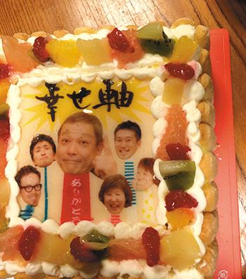 毎年、全社員にHEADSオリジナルの誕生日ケーキが贈られる。