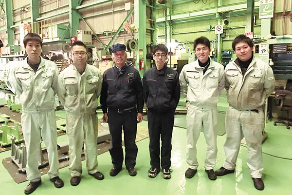 3年前から新卒採用を始めた。「採用するときには必ず親御さんと会う」と沖田社長。