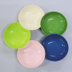 生分解性樹脂を原材料に使った豆皿。