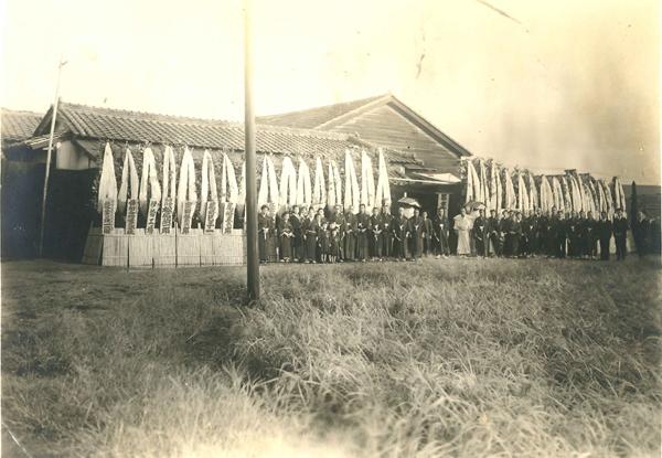 工場が戦災で焼失し、戦後に倉庫の建物を使って工場の再建を果たした。