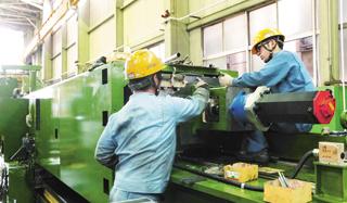 巨大かつ精密なものづくりで オンリーワンの大型工作機械メーカーに