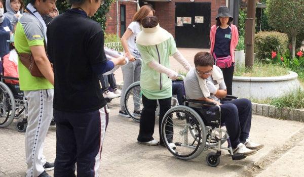 介護人材不足の解消めざし新モデルを提示